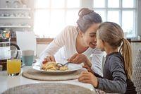 Sering Sarapan Bersama Orangtua  Tumbuh Kembang Anak Jadi Lebih Baik