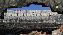 Tanggul Laut Muara Baru Diambang Kritis