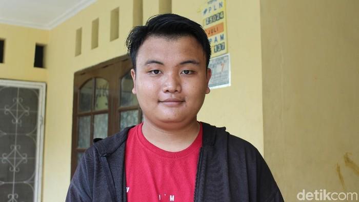 Ernald saat ditemui di rumahnya, di Kelurahan Bugel, Karawaci, Kota Tangerang. (Foto: Nabila Ulfa Jayanti/detikHealth)