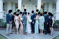 Ibu pengantin pria dikecam karena pakai gaun dan hairdo yang sama dengan mempelai wanita