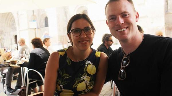 Tiba di Lisbon, Sean melanjutkan perjalanan ke Israel sementara Anna ke Zurich. Sebelum berpisah, Anna berpesan ke Sean, kalau kamu ke Zurich mampir ya, kita bisa ngopi dulu. Tak disangka, Sean menganggap itu serius. Sean pun menyusul Anna dan mereka bertemu di Zurich. (CNN)