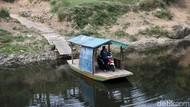 Jasa Penyeberangan Perahu Eretan Masih Diminati Warga