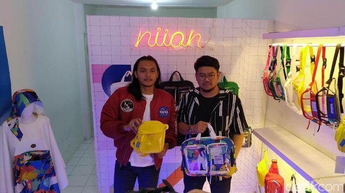 Foto: Tas Unik Transparan Made in Bandung (Mukhlis Dinillah/detikFinance)