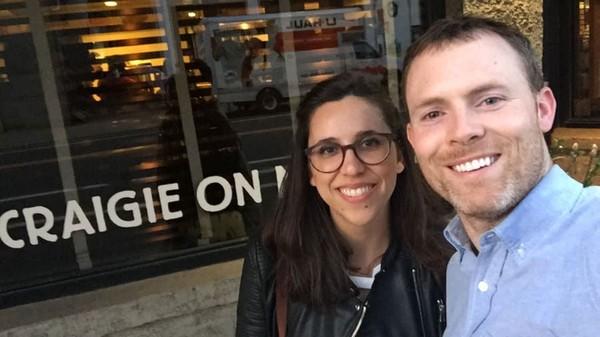 Pada musim semi 2018, mereka berdua akhirnya resmi menikah. Meski perjalanannya tidak mudah, Sean dan Anna berhasil membuktikan bahwa cinta bisa ditemukan kapan saja, termasuk saat liburan. Meski terbentang jarak dan terpisah waktu, cinta tetap bisa menyatukan mereka berdua. (CNN)