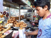 Ada Bakso Malang Ketupat dan Siomay Mantul di Dekat RS Mata Aini