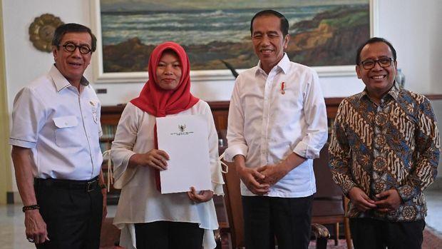 Bertemu Jokowi, Baiq Nuril Bakal Bingkai Emas Keppres Ammesti