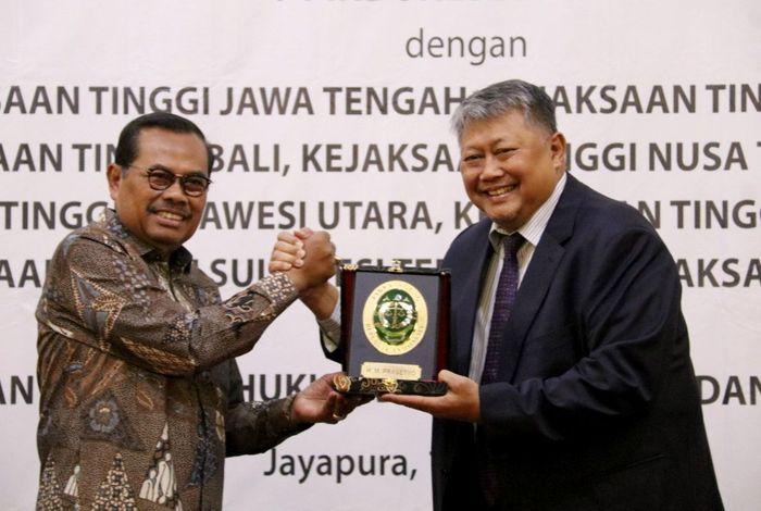 PT Indonesia Power menandatangani Memorandum of Understanding / Nota kesepahaman tentang Penanganan Masalah Hukum Bidang Perdata dan Tata Usaha Negara pada hari kamis 1 Agustus 2019 di Jayapura, Papua. Istimewa/Dok. Indonesia Power.