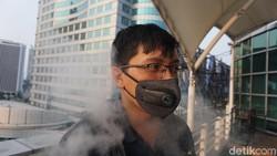 Mencoba Masker Elektrik di Tengah Tingginya Polusi Udara Kota Jakarta