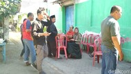 Polisi Bawa Sisa Kuah Rawon Diduga Sebabkan Keracunan Warga Blitar