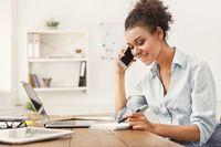 Membaca Kepribadian Orang Menurut Cara Pakai HP, Kamu Tipe yang Mana?