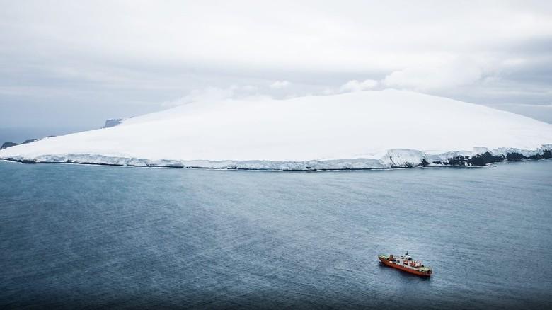 Bouvet, pulau antah berantah (British Antarctic Survey/BBC)