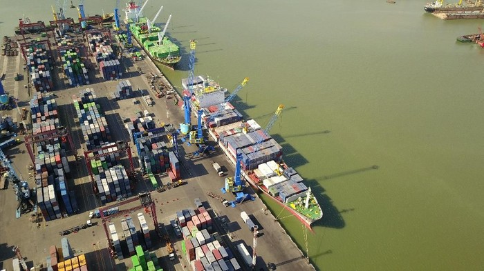 Pelabuhan Tanjung Perak Surabaya