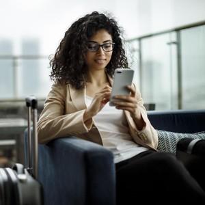 4 Hal yang Harus Diperhatikan saat Internetan Pakai Wi-fi Gratis di Resto