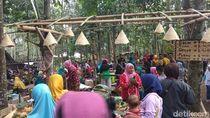 Kulineran di Pasar Unik Magelang, Bayarnya Pakai Uang Kayu
