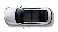 Sedan Hybrid dengan Panel Matahari