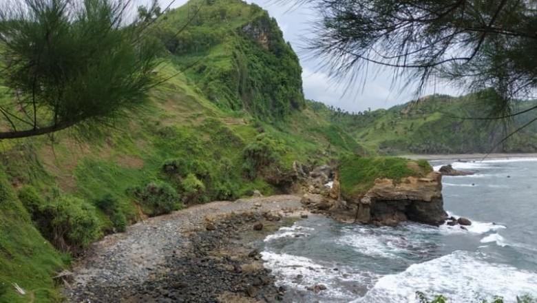 10 Pantai Terindah di Jawa Tengah yang Bikin Kamu Betah. (Foto: Bambang Irwanto/dTraveler)