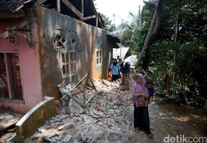 Ilustrasi kerusakan bangunan akibat gempa Banten (Foto: Agung Pambudhy-detikcom)