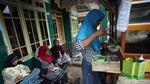 Melihat Aktivitas Warga Pandeglang Pascagempa Banten