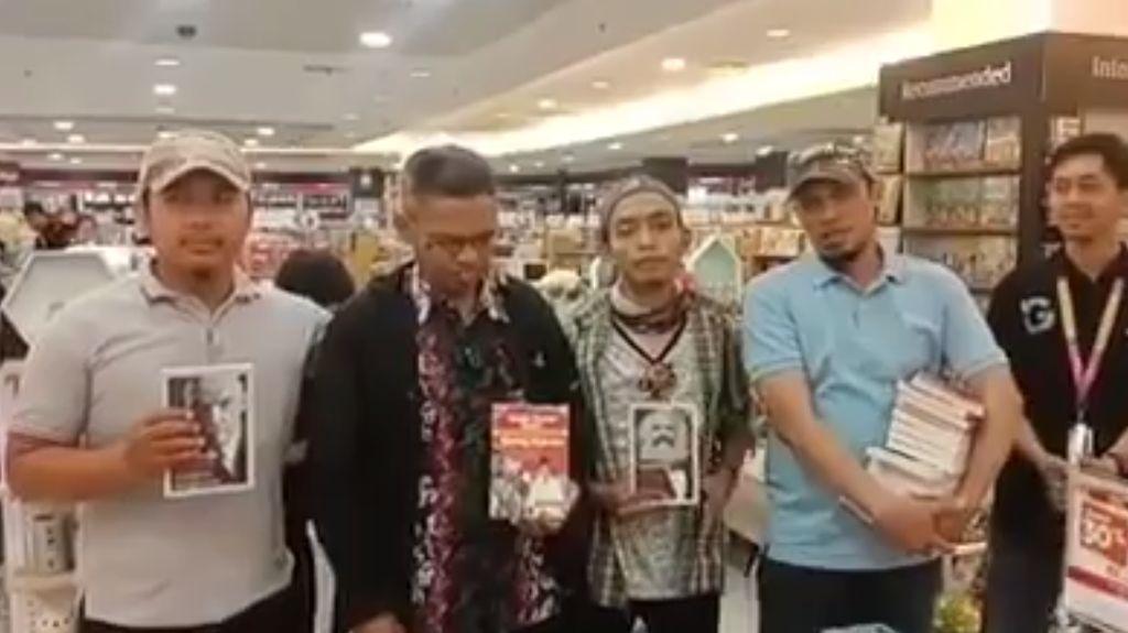 Maraknya Razia Buku Kiri, Pemerintah Diminta Tegas