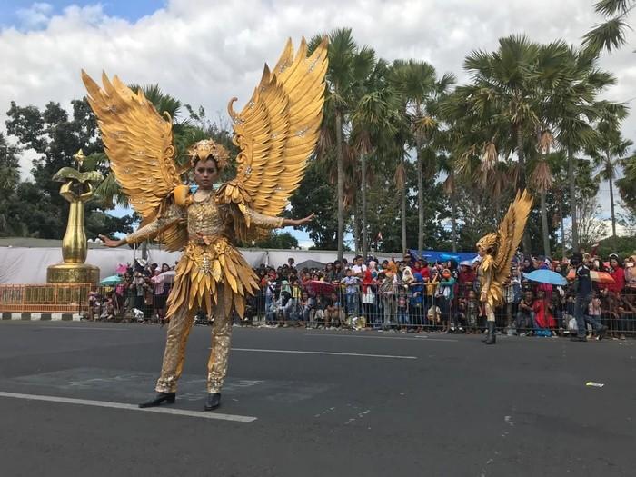 Suasana acara puncak Jember Fashion Carnaval 2019.  (Foto: Yakub Mulyono)