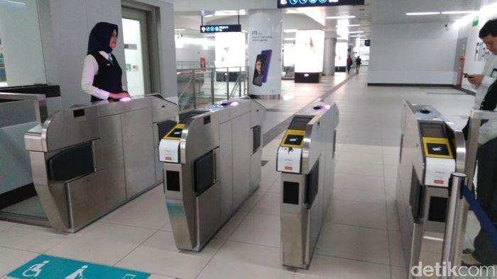 Foto: MRT Jakarta beroperasi usai listrik padam (Adhi/detikcom)