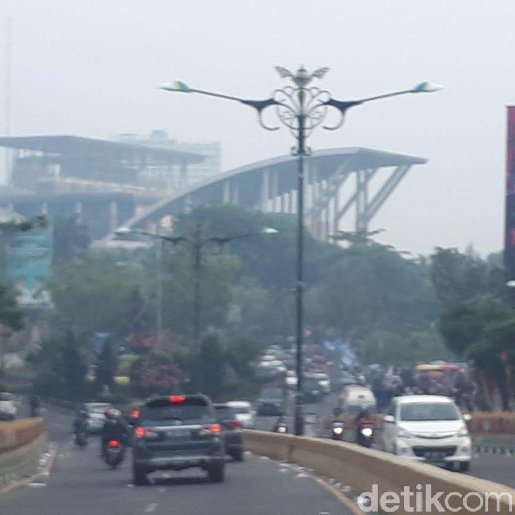 Asap Masih Pekat, Jarak Pandang di Riau 500 Meter
