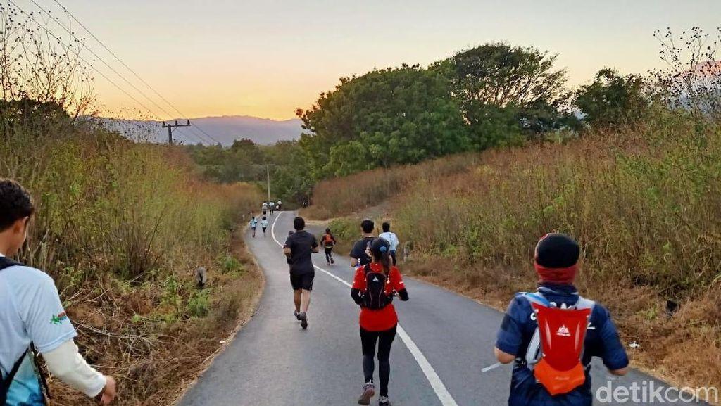 Lari Lintas Alam Kawah Ijen Diikuti 20 Negara