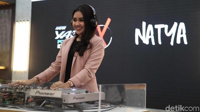Natya beraksi di panggung Yaris Beats Corner Foto: Pradita Utama