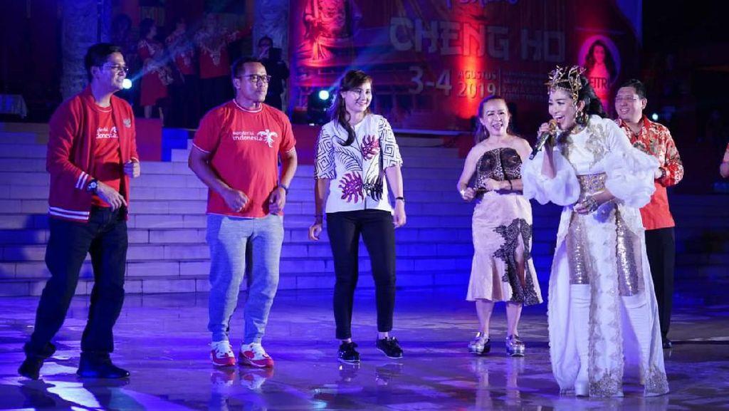 Nyanyi 4 Bahasa, Fitri Carlina Goyang Pengunjung Festival Cheng Ho