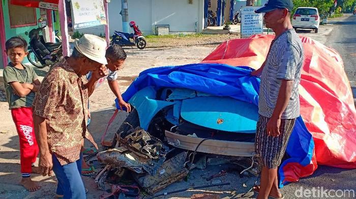 Porsche kecelakaan di Magetan/Foto: Sugeng Harianto