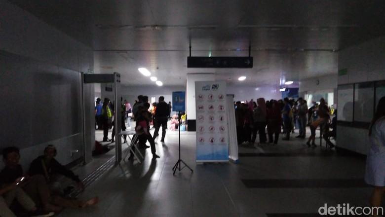 MRT Mati karena Listrik Padam, Anies: Sama dengan Negara Lain