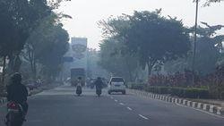 Hotspot Karhutla Bertambah Banyak, Asap Pekat Kepung 3 Wilayah di Riau