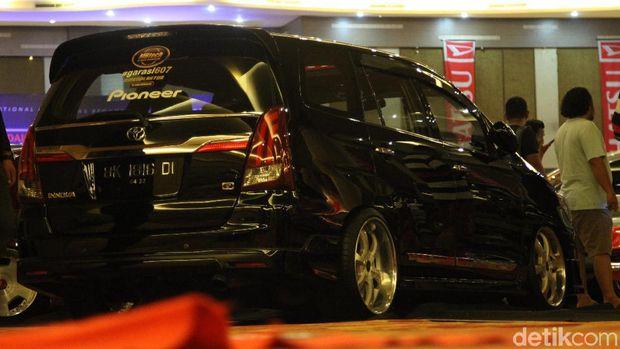 Modifikasi Kijang Innova di IAM Medan 2019