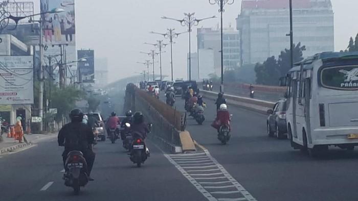Ilustrasi asap di Pekanbaru. Foto: Chaidir/detikcom