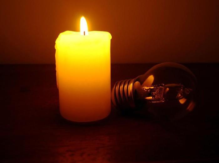 Ilustrasi lilin saat mati lampu. (Foto: iStock)