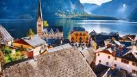 Dengan jumlah penduduk cuma 780 orang, tentu saja wisatawannya lebih banyak. Hal ini membuat Walikota Hallstatt ingin membatasi jumlah turis sampai sepertiganya bulan Januari lalu. (iStock)
