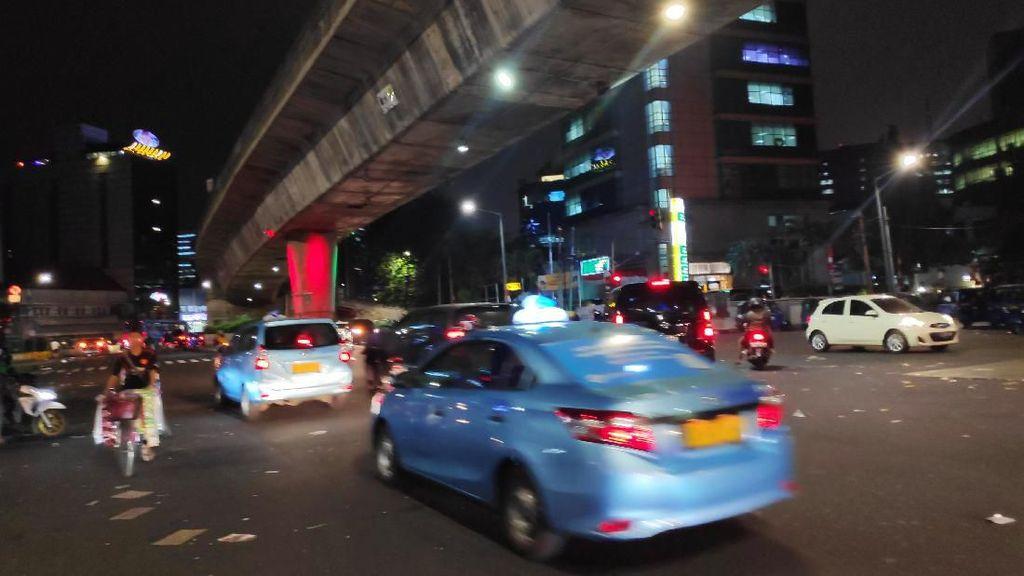 Massa Demo Driver Taksi Online di Blok M Bubar, Lalin Kembali Lancar