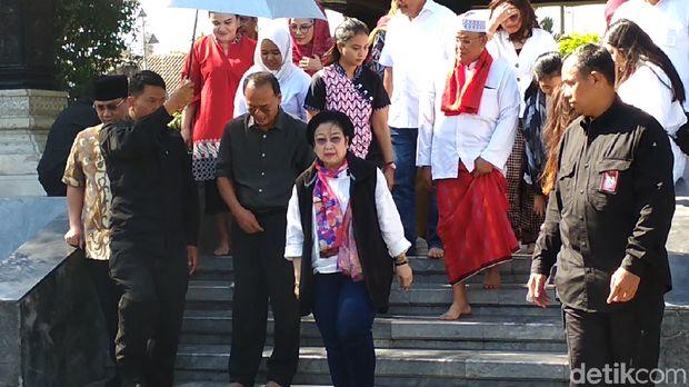 Awali Rangkaian Kongres PDIP di Bali, Megawati Ziarah ke Makam Bung Karno