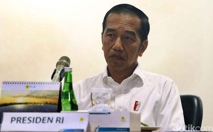 Presiden Joko Widodo (Jokowi) meminta PT PLN (Persero) belajar dari kejadian padamnya listrik 17 tahun silam. Pada 2002, listrik padam selama dua hari.