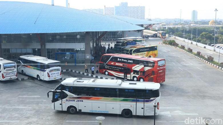Terminal Pulogebang (Randy/detikcom)