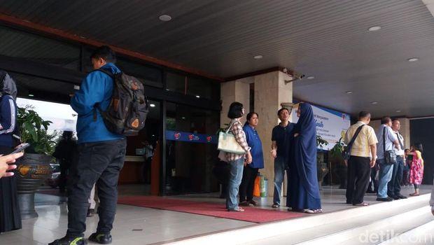 Pasien dan keluarga kesulitan order ojol untuk transportasi.