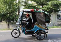 Sensasi Singkat Jadi Penumpang Bentor di Medan