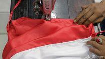 Perempuan di Lampung Jahit Sendiri Bendera Merah Putih yang Dibakarnya