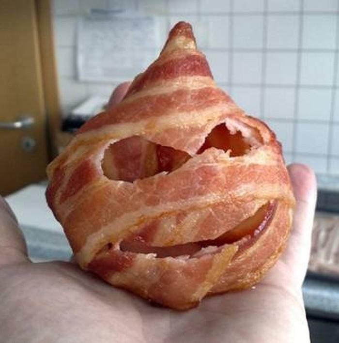 Menyeramkan, potongan daging ini mirip seperti monster bertanduk satu. Lengkap dengan mata dan mulut lebarnya. Foto: Istimewa