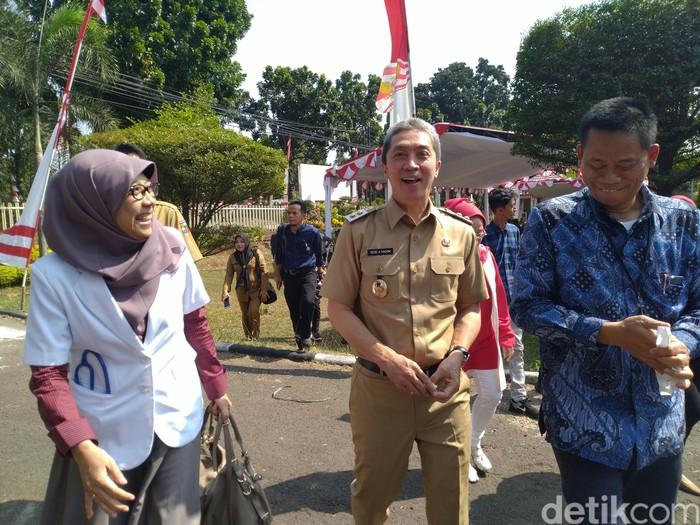 Wakil Walikota Bogor Dedie A Rachim mengatakan penggunaan kantong plastik berbahaya.