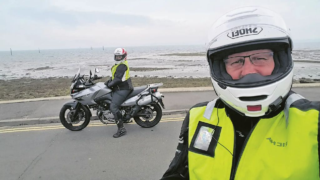 Bebaskan Penat, Bapak dan Putrinya Kompak Pilih Touring