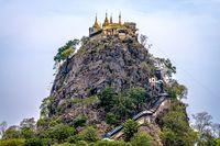 Vihara Suci di Kawah Gunung Berapi Myanmar