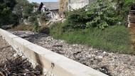 Jorok dan Kotor, Kali Taman Harapan Baru Bekasi Dipenuhi Sampah