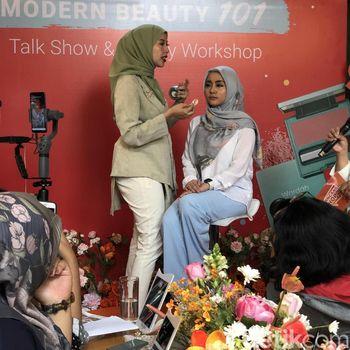 Makeup artist Vivi Thalib berbagi tips skincare.