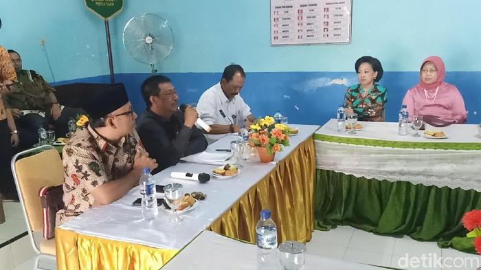 Rapat evaluasi Komisi E DPRD Provinsi Jatim soal PPDB dengan sistem zonasi/Foto: Andhika Dwi